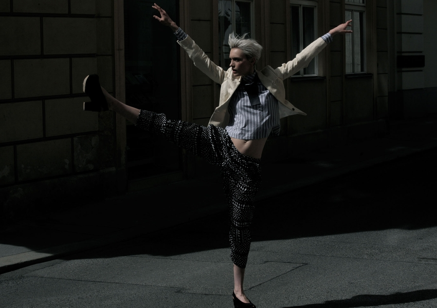 Trousers: GON<br />Necklace: Sonja Bischur